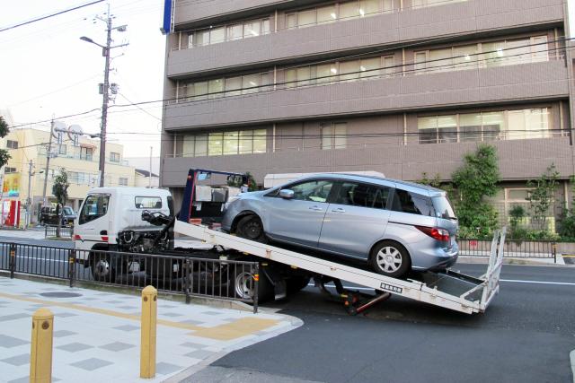 債務整理中にカーローン会社から自動車の引き揚げ要請があったら