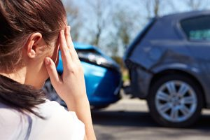 人身事故の示談交渉は弁護士に依頼!慰謝料額が増額する理由